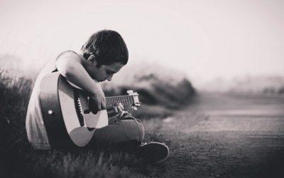 Gitarre Spielen Lernen in 7 Schritten