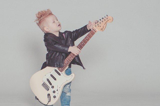 Read more about the article Die besten 3/4 E-Gitarren für Kinder