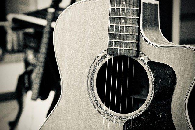 Read more about the article Die 6 besten Westerngitarren bis 500 Euro