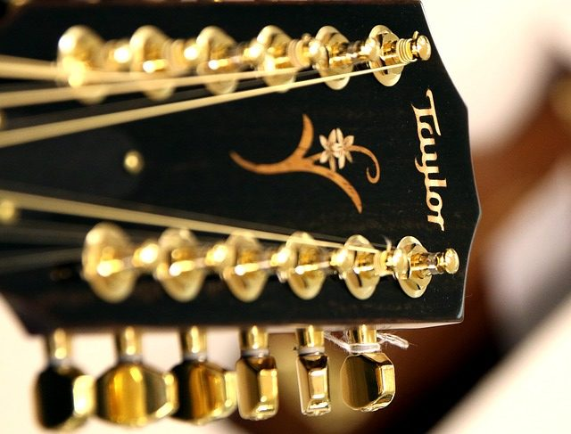 Read more about the article 12-saitige Westerngitarren: 3 der beliebtesten Modelle