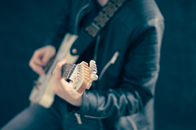 Read more about the article Powerchords auf der Gitarre lernen (anfängerfreundlich)