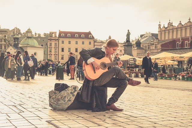 Read more about the article 6 schöne Solos für Akustikgitarre (mit Tabs)